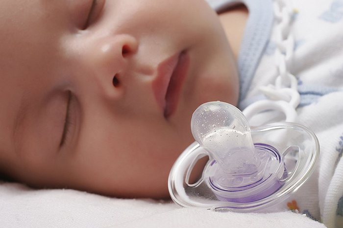 How and when to wean a child from a pacifier