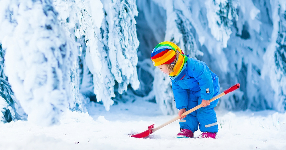 winter holidays, winter games, how to occupy a child in winter