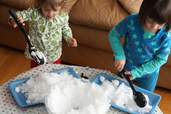 winter holidays: how to take a child in the winter outside, winter games