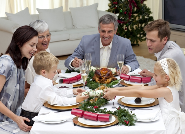 Family traditions: 5 tips to help get together for dinner - image number 1
