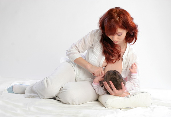 How to increase lactation: massage and proper nutrition of the mother - image №1