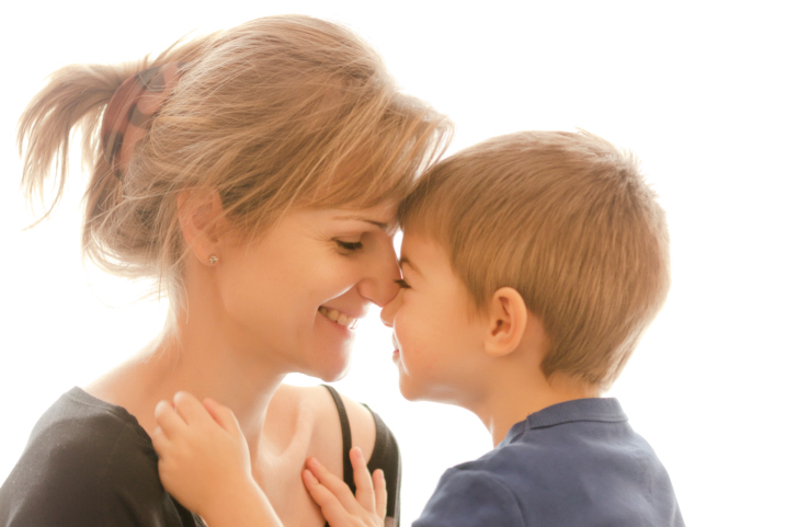 Bonding and its benefits for mom and baby. Bonding with a child