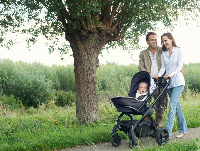 Safety on walks with the baby: tips for parents - image №2