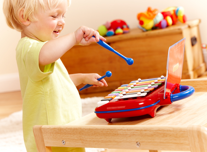 Which toys are better: classic or interactive? - image number 1