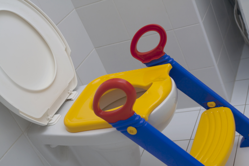 How to teach a child to the toilet - image №1