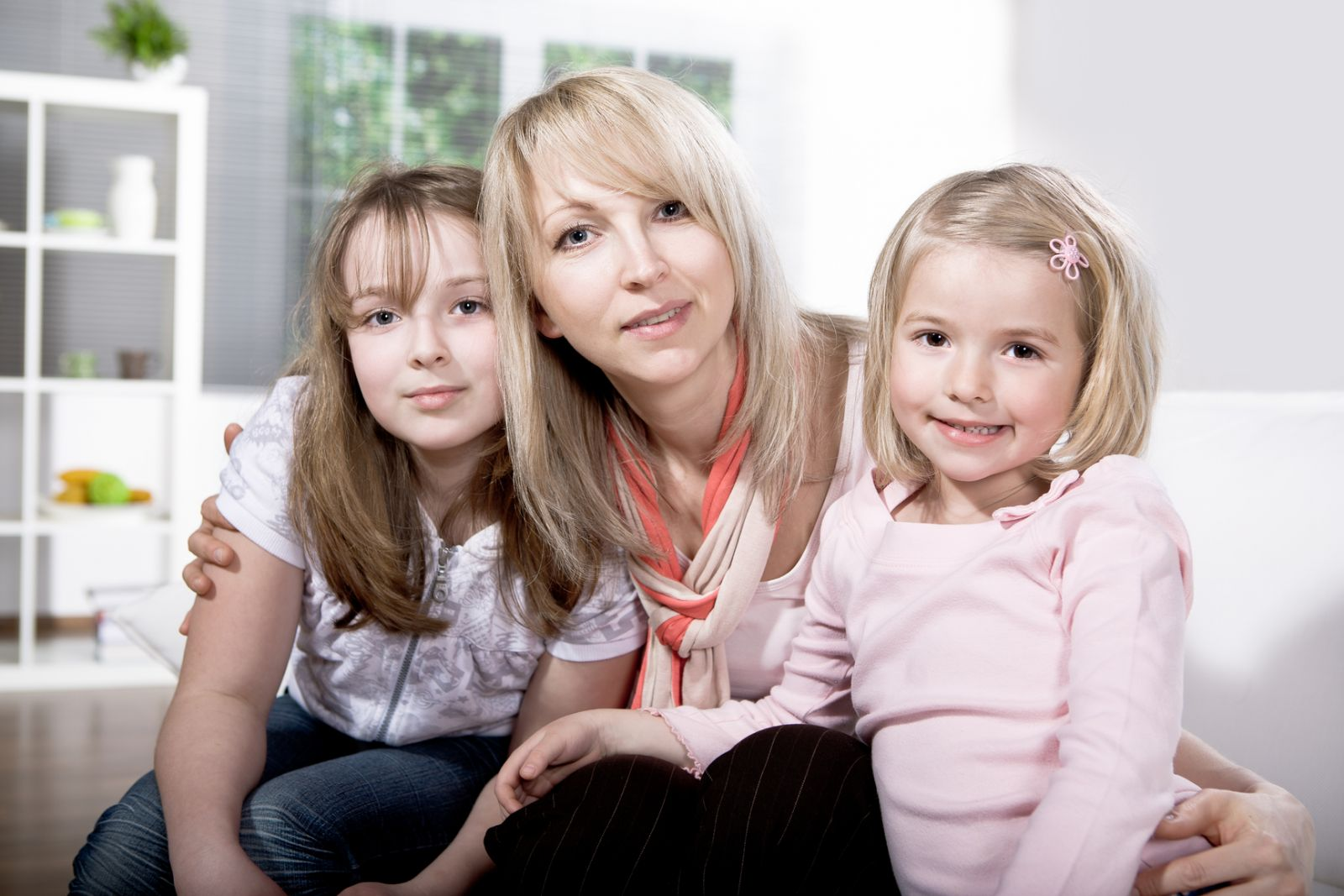 How to protect your child from street influence: tips for parents - image №3