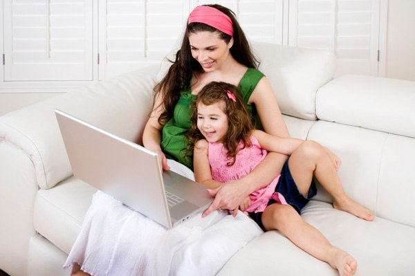 Kaa not lose contact with a child working mom